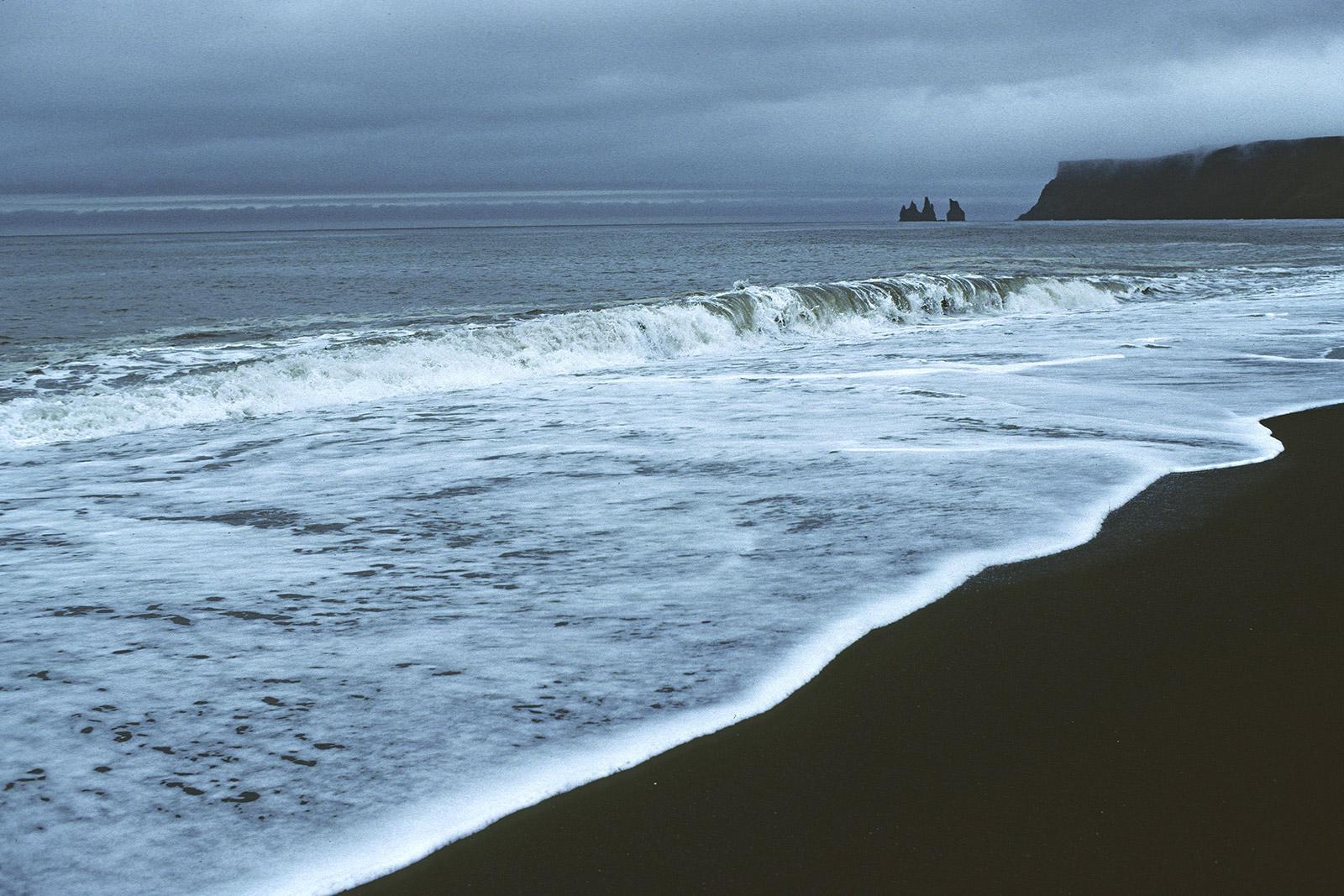Plage de sable noir à Vikj Islande