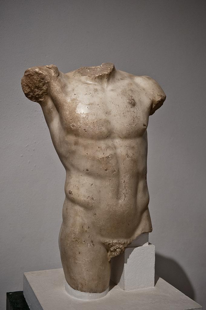 Torse masculin colossal - Musée Archéologique de Séville - Période de Tibère (14-37 après J.-C.)