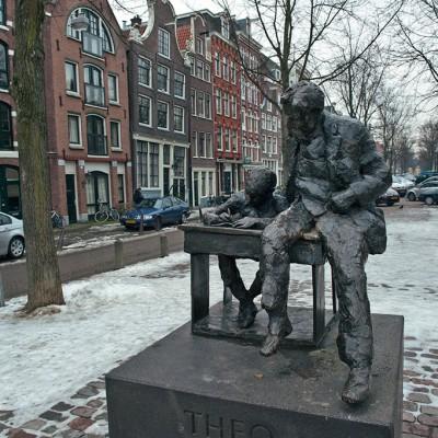 Theodorus Johannes Thijssen ( Amsterdam , 16 Juin 1879 - Amsterdam, 23 Décembre 1943) était un Néerlandais écrivain, enseignant et socialiste politicien .