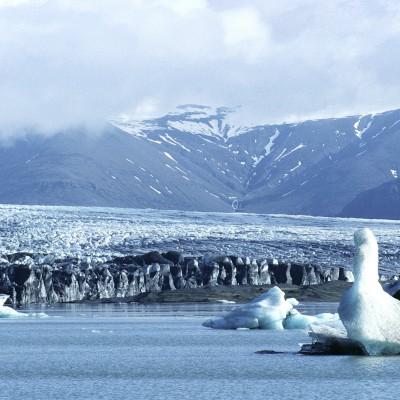 Lacs proglaciaires au sud du glacier Vatnajökull en Islande