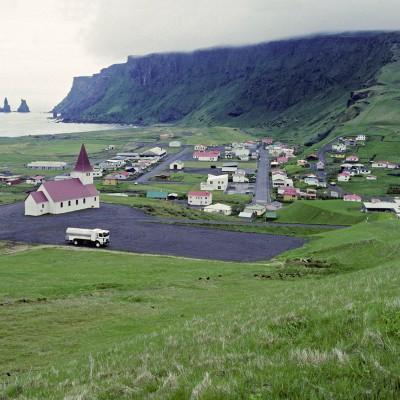 Vík í Mýrdal ou Vík est une localité située sur la côte sud de l'Islande.