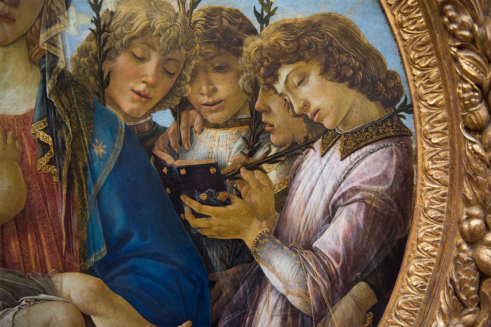 Sandro Botticelli (1445+1510) Vierge à l'Enfant avec anges chanteurs vers 1477 - Peuplier, diamètre 135 cm