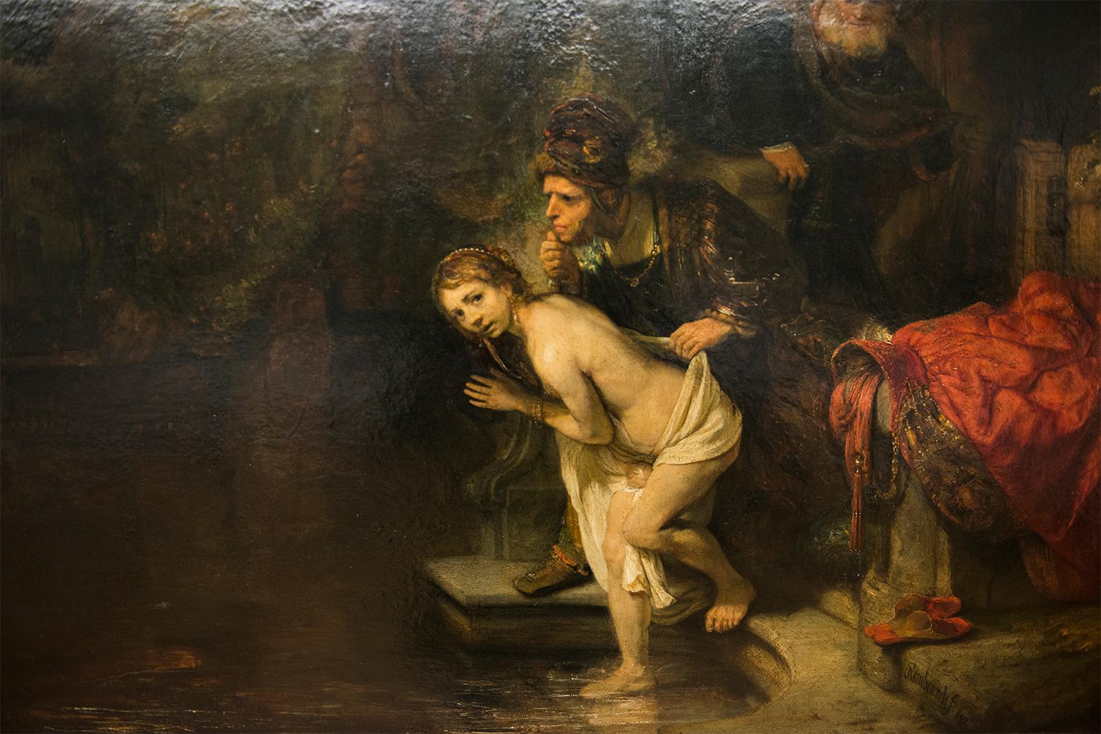 Suzanne et les deux vieillards 1647 - Rembrandt van Rijn - Huile sur bois (acajou) 76,6 x 92,7 cm - Berlin, Gemäldegalerie - Rembrandt peint sa Suzanne en 1647, une période où sa palette se réduit - ici des bruns, des ocres, des rouges.