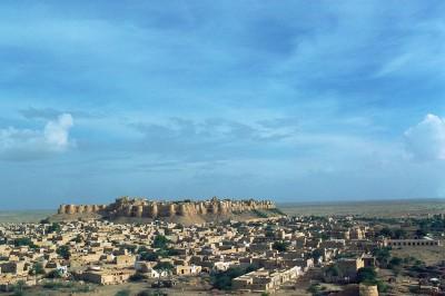 Au milieu du désert s'élève la forteresse de Jaisalmer Inde 1985
