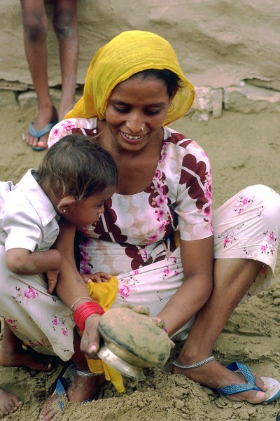 Une mère et son enfant - Jaisalmer - Inde 1985