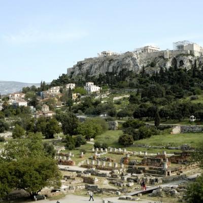 L'Agora ou place du marché, devientégalement le centre de la politique de la cité athénienne au VIIe siècle av. J.-C.