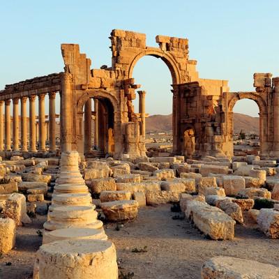 L'arc monumental érigé sous le règne de Septime Sévère. Palmyre - Syrie