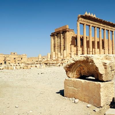 Dans son état actuel, le temple de Bêl date des 1er et II siècles. Bêl est la divinité suprême de Palmyre, le maître incontesté du Cosmos. Il est à rapprocher du dieu mésopotamien Bêl Marduk et sera assimilé à Zeus par les Grecs et les Romains. Palmyre Syrie