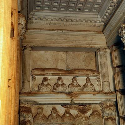 La vallée des tombeaux - Plafond à caissons de stuc de la tour d'Elahbel - Palmyre Syrie