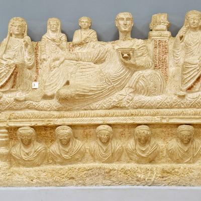 Musée de Palmyre : Sarcofage avec scène de banquet funéraire