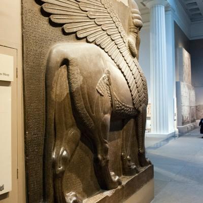 Les énormes taureaux ailés du palais de Sargon II Taureau ailé assyrien, British Museum, Londres