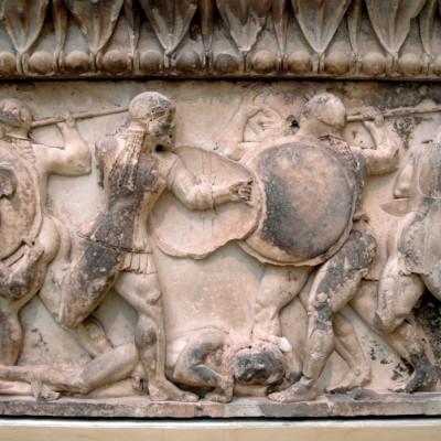 Sections de la frise du trésor des Siphniens. Batailles des Greques contre les Troyens et les Dieux contre les Géants 525 av. J.-C.