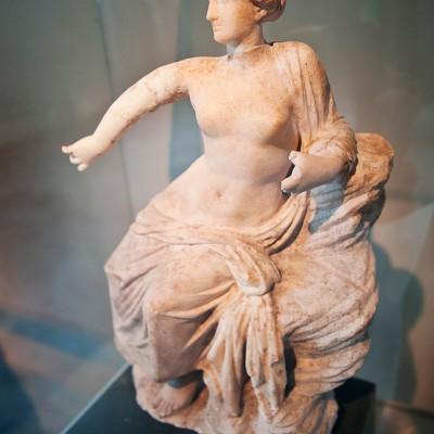 Statue d'Aphrodite déesse de l'amour et de la beauté. Marbre - Priene - Période hellénistique, 3e - 2e sièclke avant J.-C.
