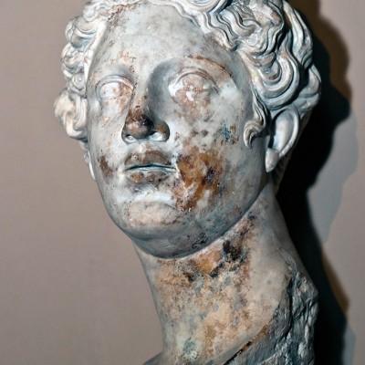 Tête d'Aphrodite - Déesse de l'amour et de la beauté - marbre - Ephèse - romain second siècle après J.-C.
