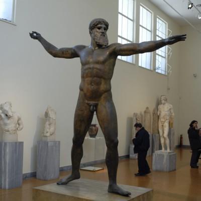 Statue de bronze du Poséidon d'Artémision trouvé en 1926 au large du cap Artémision