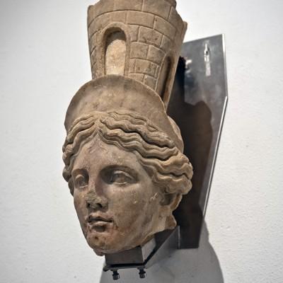 Déesse Fortune - Marbre blanc - Italica (Santiponce, Séville) époque d'Adrien (117-138 après J.C.) - Musée Archéologique de Séville