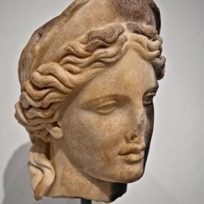 Tête de déesse - Partis supérieur du théâtre. Italica, Santiponce (Séville) Époque d'Adrien (117- 138 après J.-C. Musée Archéologique de Séville