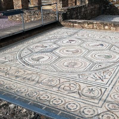 La maison du Planétarium - Mosaïque - Site d' Itálica près de Séville.