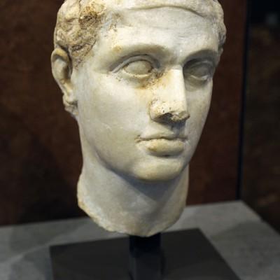 1er siècle avant J.-C. Égypte - Marbre. Ptolémée XII, père de Cléopâtre, régna sur l'Égypte grecque par deux fois de 80 à 58 avant J.-C.