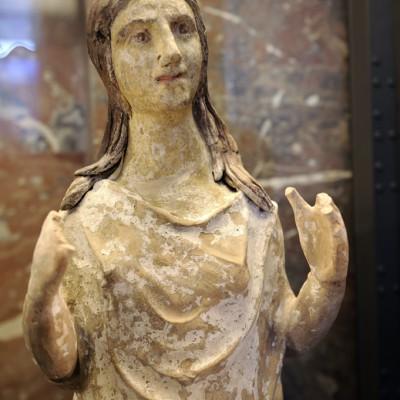 Pleureuse - L'Italie des Grecs - Mobilier funŽéaire de la citŽé de Canosa vers 320-250 avant J.-C. Fabrication : Canosa Argile.
