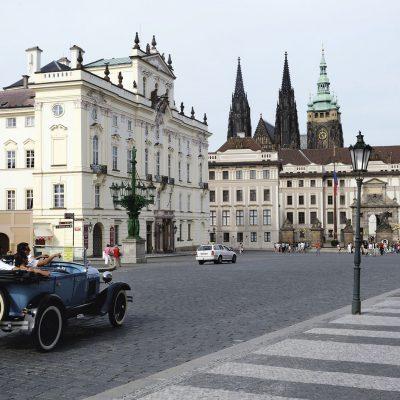 Le château Royal - Place Hradanské náměsti - Prague 2011.