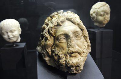Fragment de la tête d'un dieu-fleuve - second moitié du 2e siècle aprèsJ.-C.