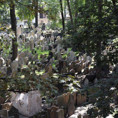 Le plus ancien cimetière juif d'Europe. Il fut fondé au début du XVe siècle.