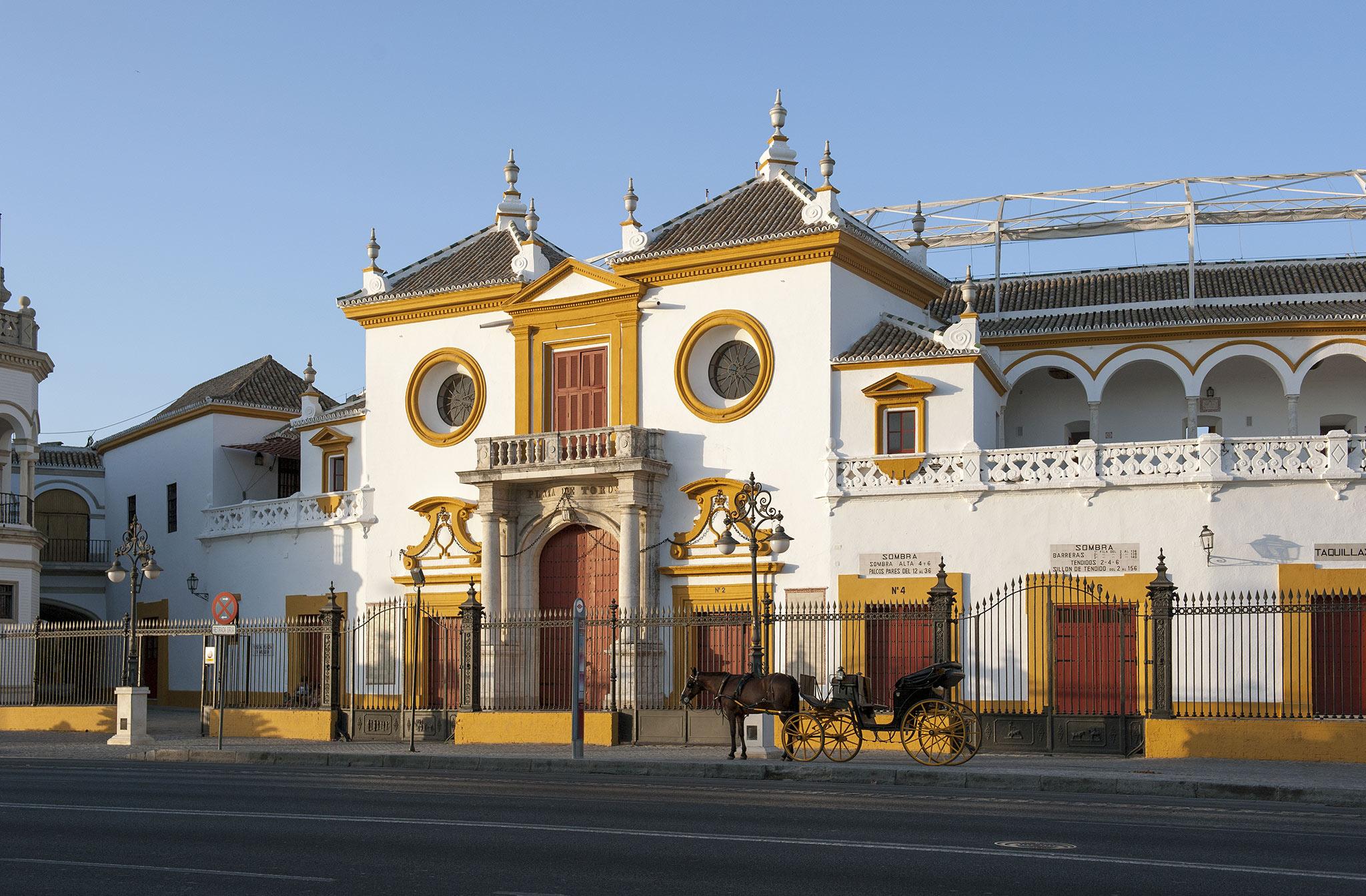 """Les Arènes de la """"Real Maestranza de Caballeria de Sevilla"""""""