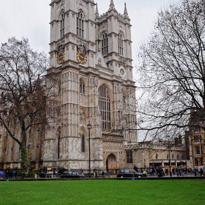 L'abbaye de Westminster est l'un des édifices religieux les plus célèbres de Londres. Sa construction date pour l'essentiel du XIIIᵉ siècle, sous Henri III.