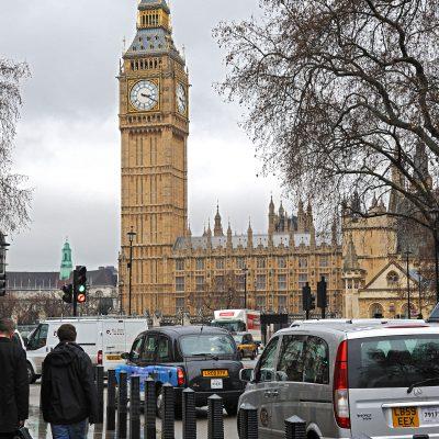 La tour horloge du Palais de Westminster, qui est le siège du parlement britannique (Houses of Parliament), à Londres.