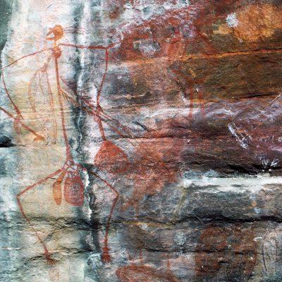 Pécheur avec son harpon et son sac à poissons - Ubirr Rock  l'un des plus grandes sites sacrés aborigènes. En savoir plus sur