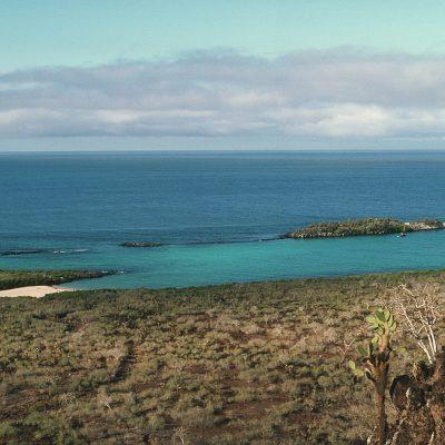 L'île Santa Fé, en espagnol Isla Santa Fé, en anglais Santa Fé Island également appelée Barrington Island (île Barrington) en l'honneur de l'amiral britannique Samuel Barrington, est une île inhabitée d'Équateur située dans les îles Galápagos.