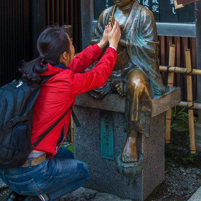 Sculture de Nade Botoke dans le temple Senso-ji - Tokyo