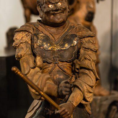 douze généraux célestes - Bois coloré, présence de bandes d'or minces, et incrustations de nacre pour les yeux. Période Kamakura XIIIesiècle Musée National de Tokyo