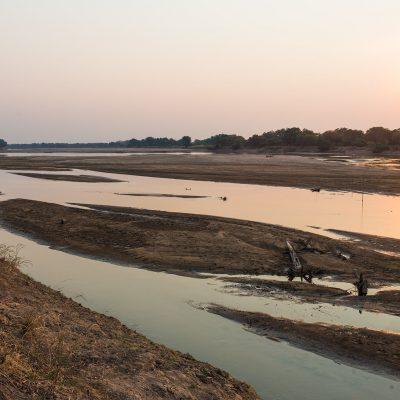 Le parc National du Sud Luangwa se trouve à l'est de la Zambie. C'est le plus méridional des trois parcs nationaux du bassin de la rivière Luangwa, paradis pour la faune sauvage. La riviè