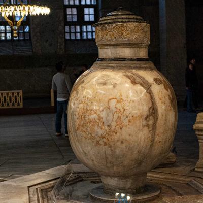 Jarre hellénistique de marbre, provenant de Pergame.