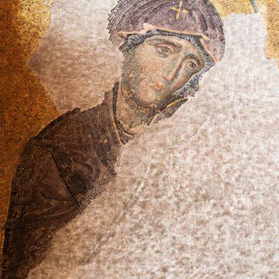 La déisis : la Vierge et Jean Baptiste implorent le Christ.