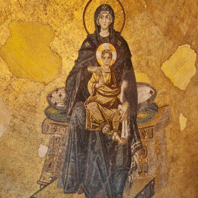 Mosaïque de l'abside : la Théotokos (la Vierge et l'Enfant Jésus).
